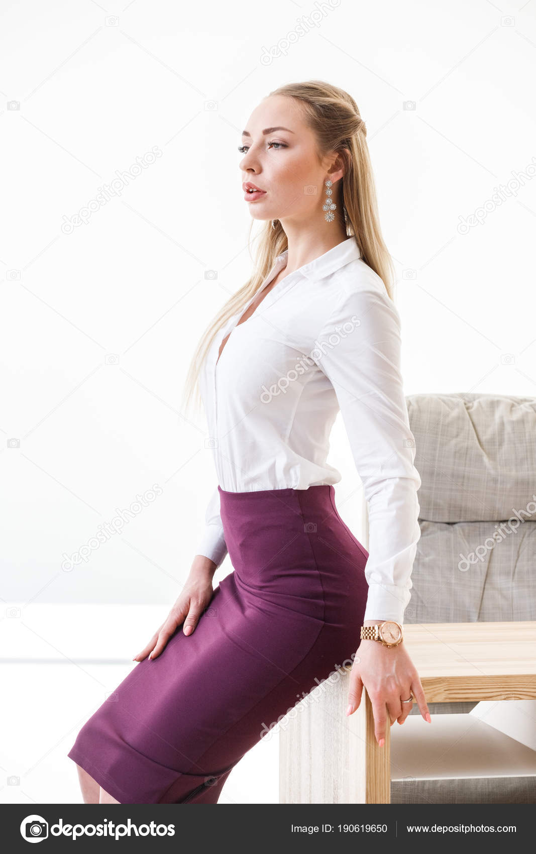 Девушка в юбке офис, порно