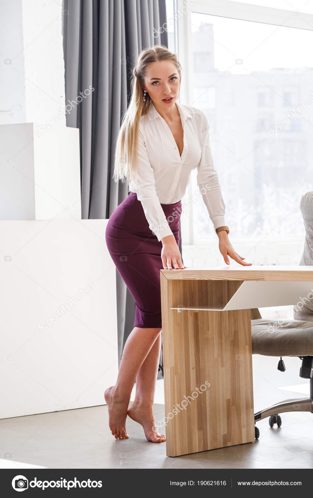 Накаченные тела сексуальные девушки офиса