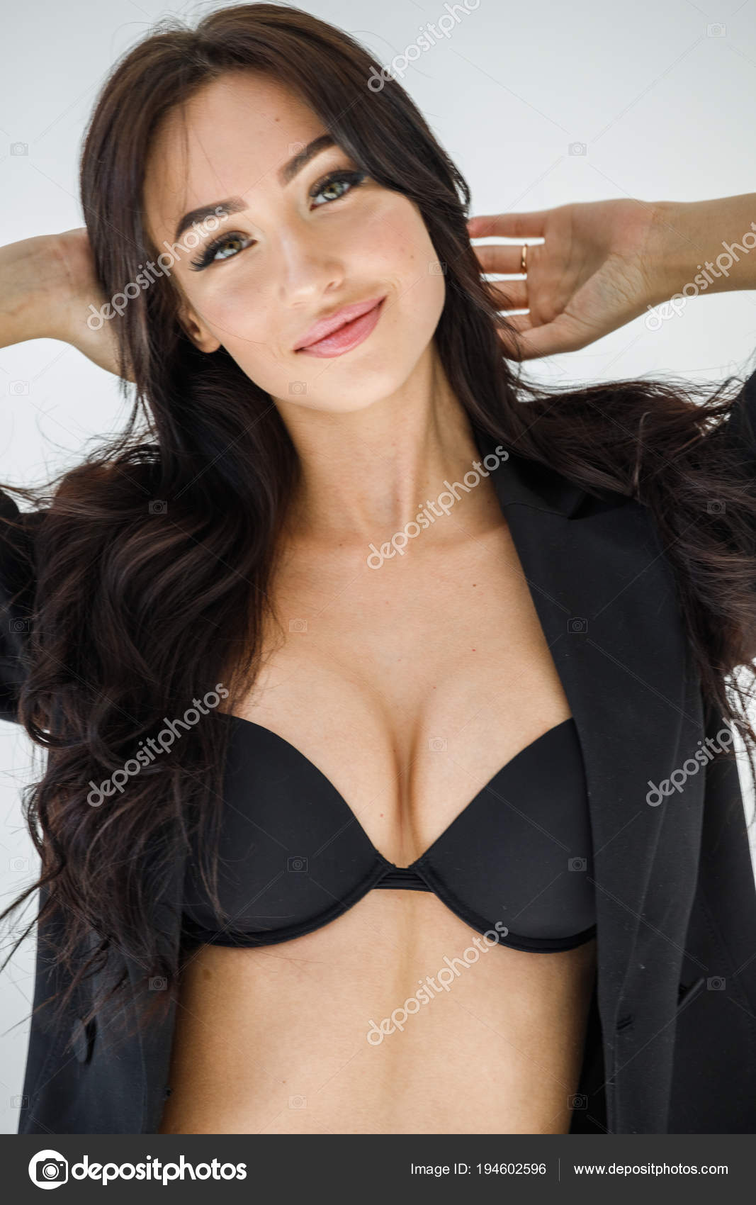 280bfc695b4 Studio Portrait Young Brunette Girl Wearing Sexy Black Lingerie Black —  Stock Photo