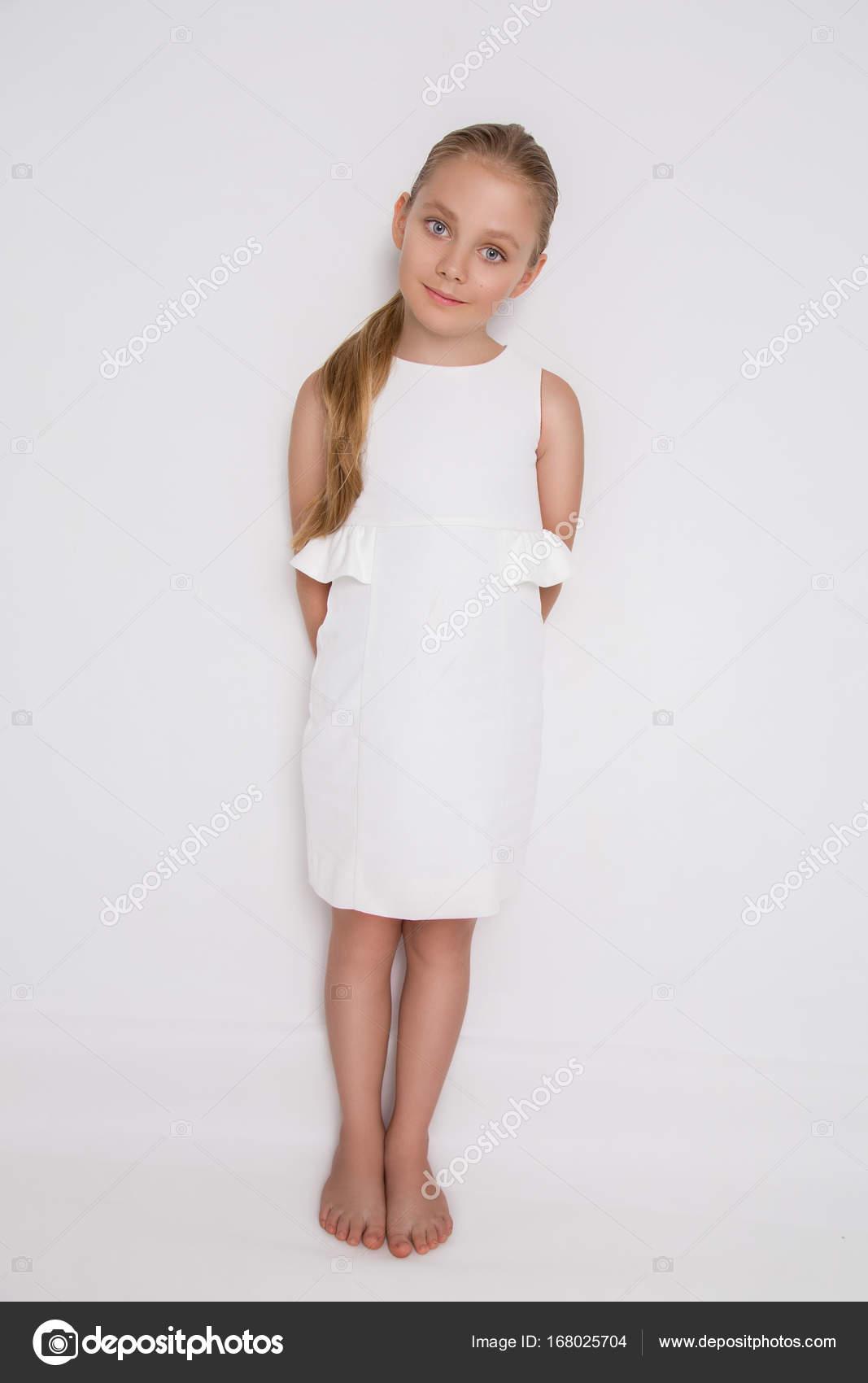 Vestido blanco elegante nina