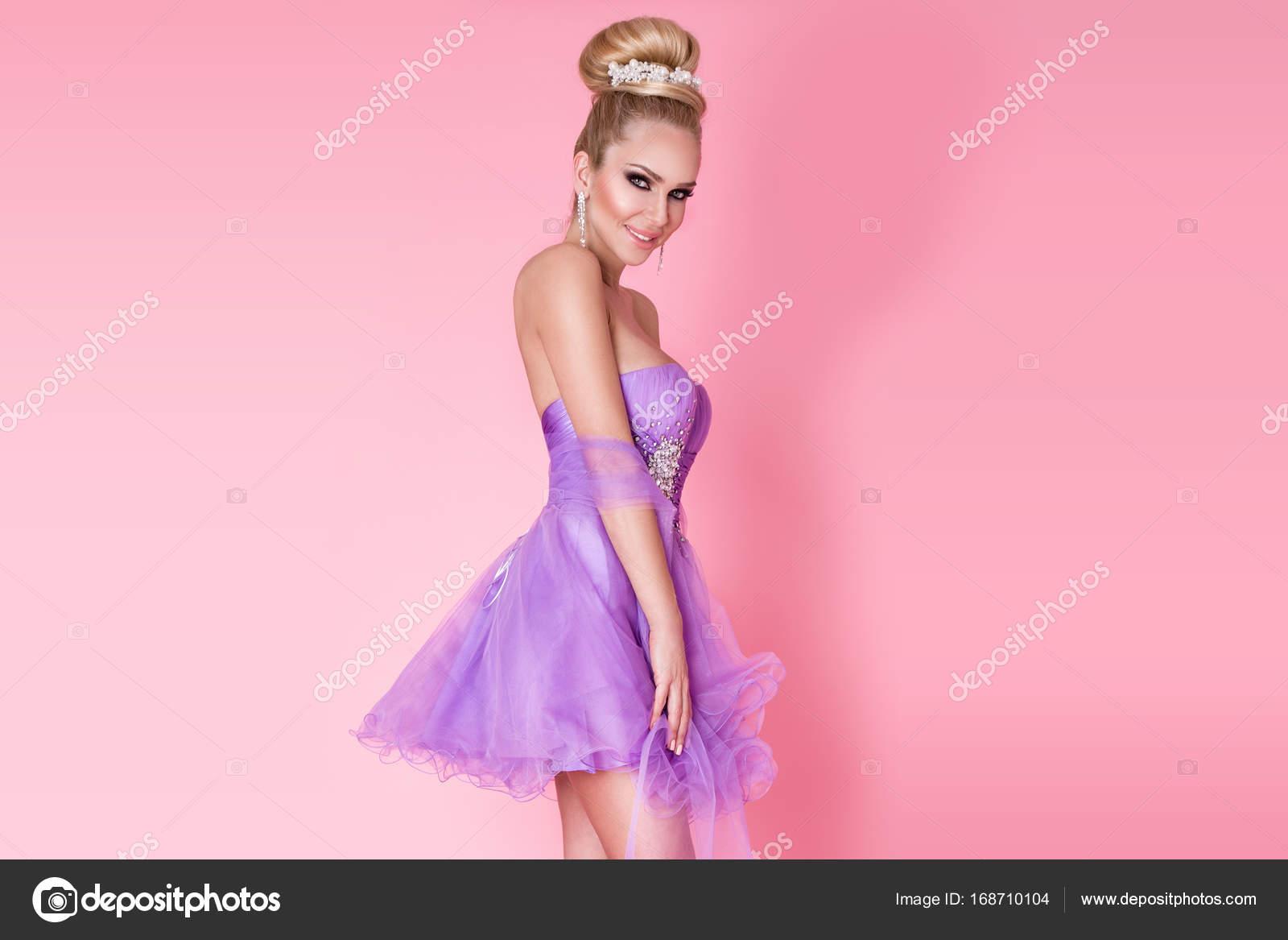 mujer sexy joven hermosa, princesa, bailarina elegante moño con pelo ...