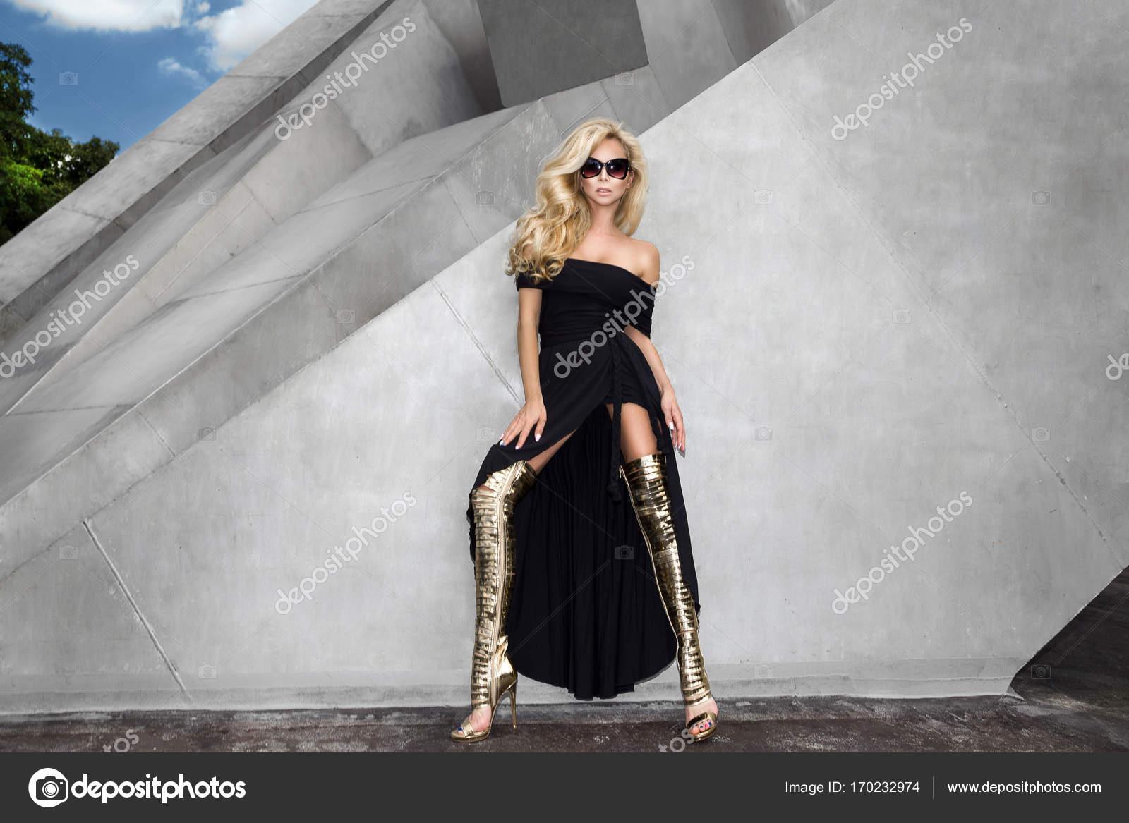 Langes schwarzes kleid schuhe