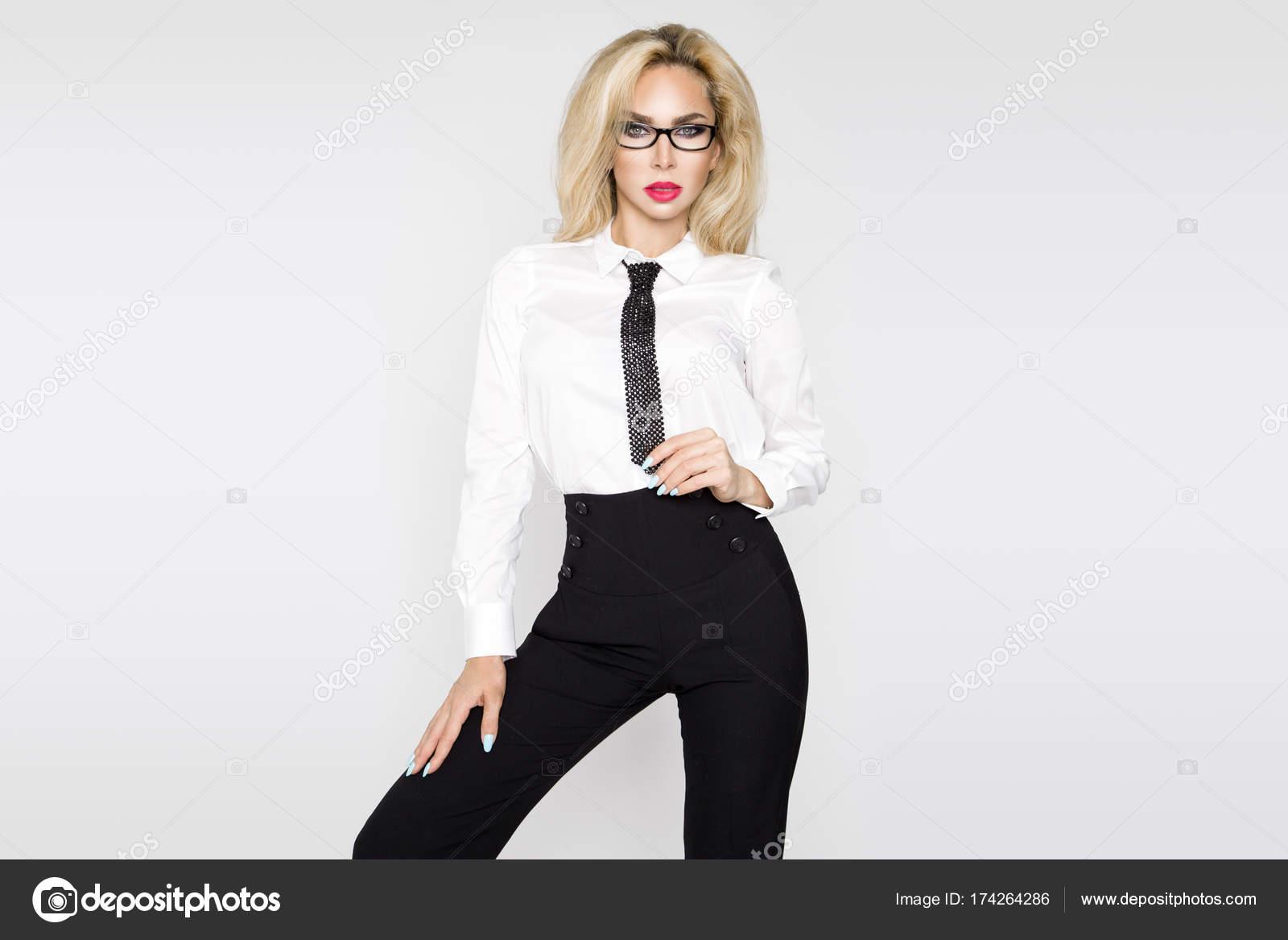 Vestidas Modelo Rubia Con Mujeres HermosoElegante Sexy Y Camisas QtsdCBhxor