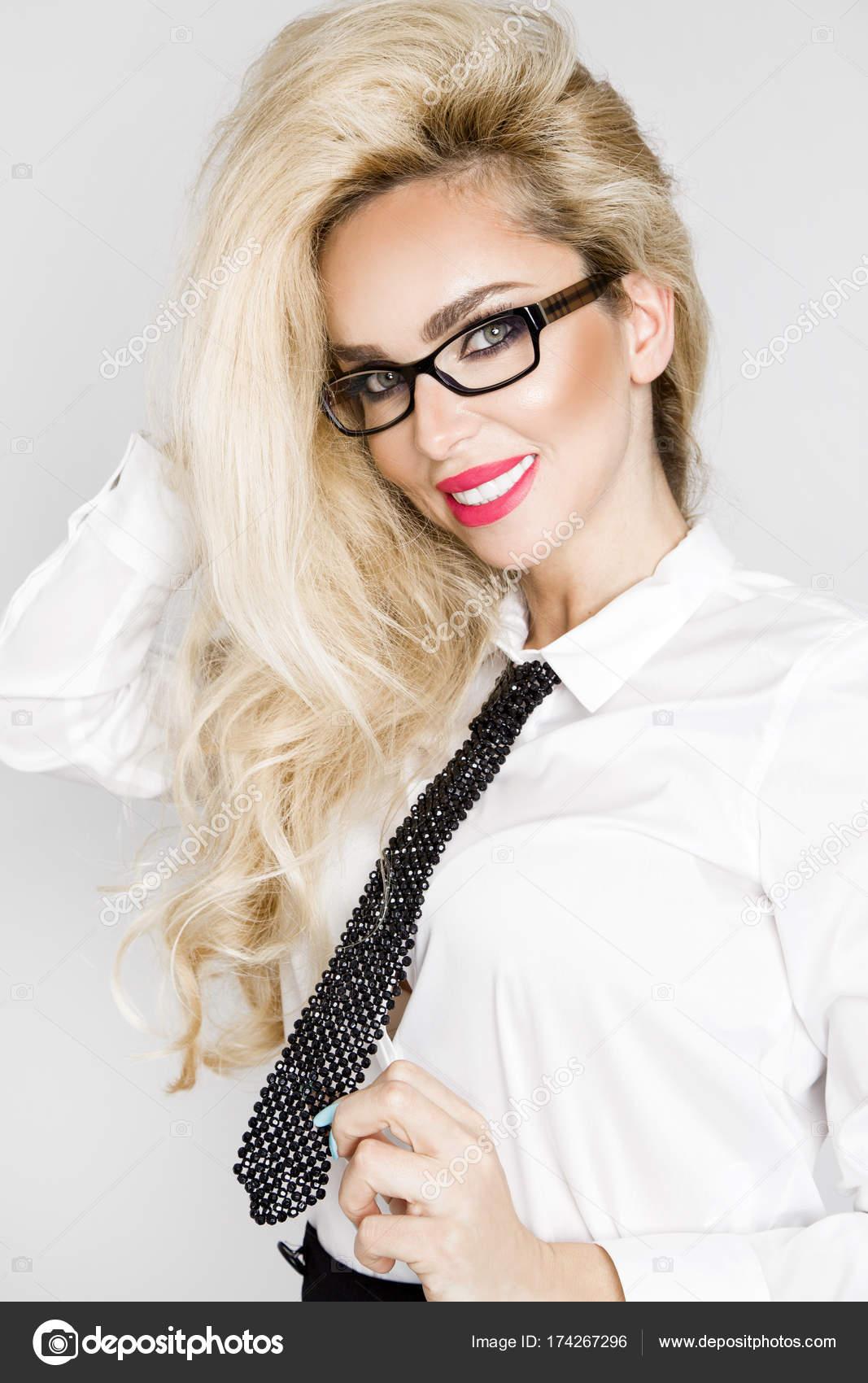 Imágenes: modelo mujeres | Hermoso, elegante y sexy rubia modelo ...