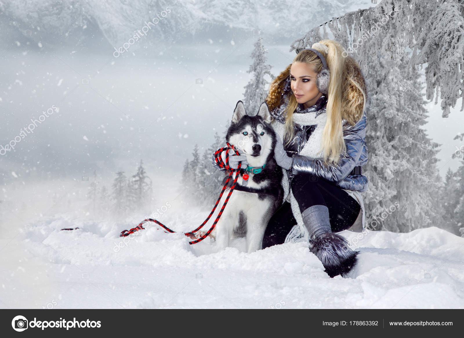 Медсестра на снегу сексуальная