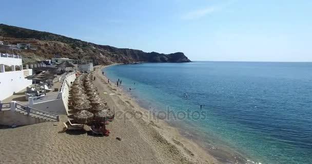 Flug über den berühmten Strand von Paleochori, Milos Insel Kykladen, Griechenland.