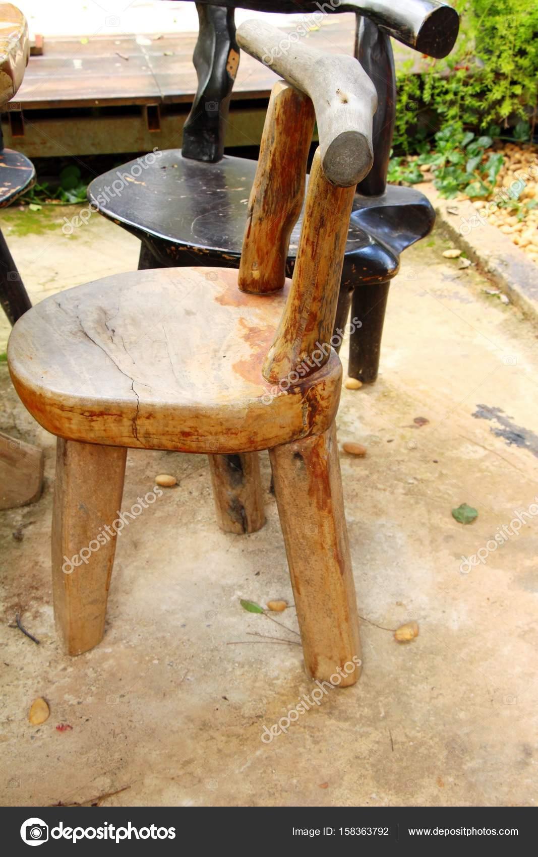 Holzstühle In Der Garten Vintage Stil Stockfoto Seagamess 158363792