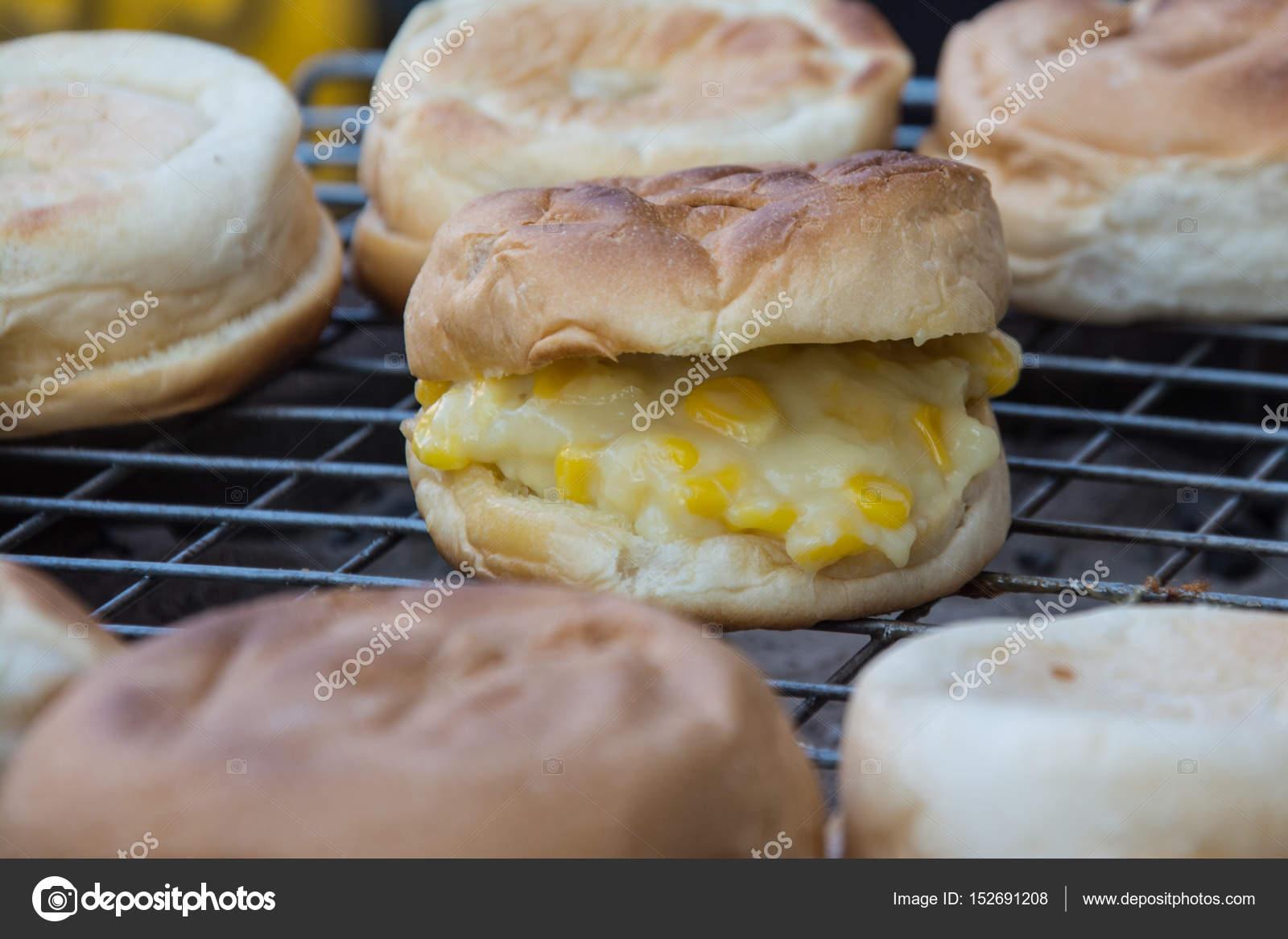 Izgarada Kaşarlı Patates – Patates Tostu