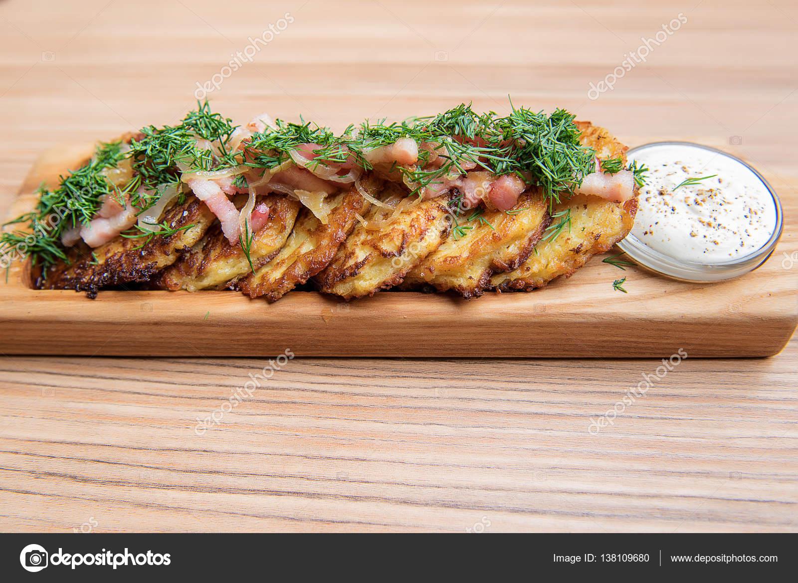 Ekşi krema soslu tavuk