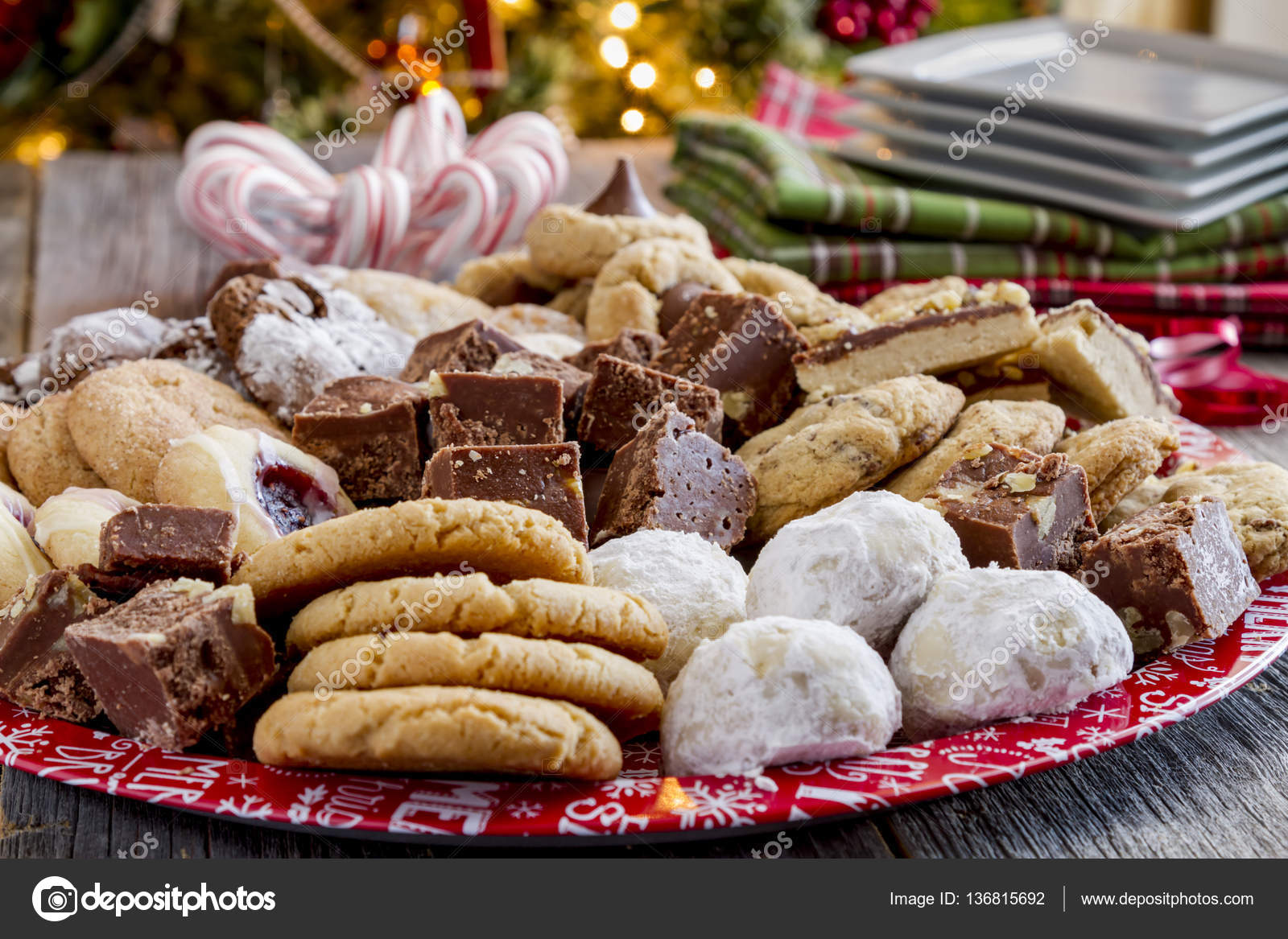 Holiday Cookie Gift Tray with Assorted Baked Goods — Stock Photo ...
