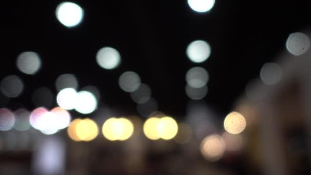 4k bunte Kreise Video-Hintergrundschleife / / / glasige kreisförmige Formen führen einen bunten Tanz auf. Bewegungshintergrund, der sich perfekt für DVDs, Events, Clubs und Lounges eignet.