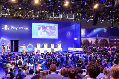 Playstation presentation of the company Sony in front of a crowd