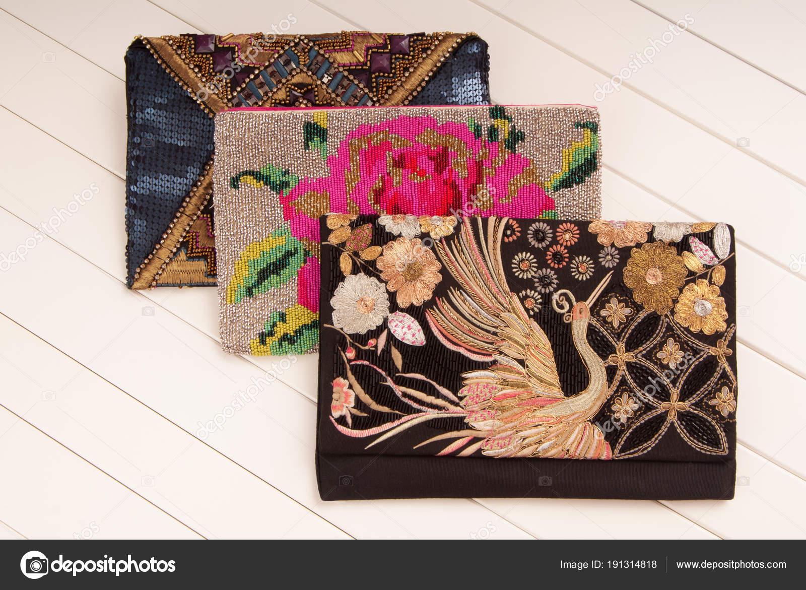 e7c9cdf44a72 Вышитые сумки, три сумки с вышивкой, клатчи конверт формы, черный  сцепления, модные клатчи — Фото автора ...