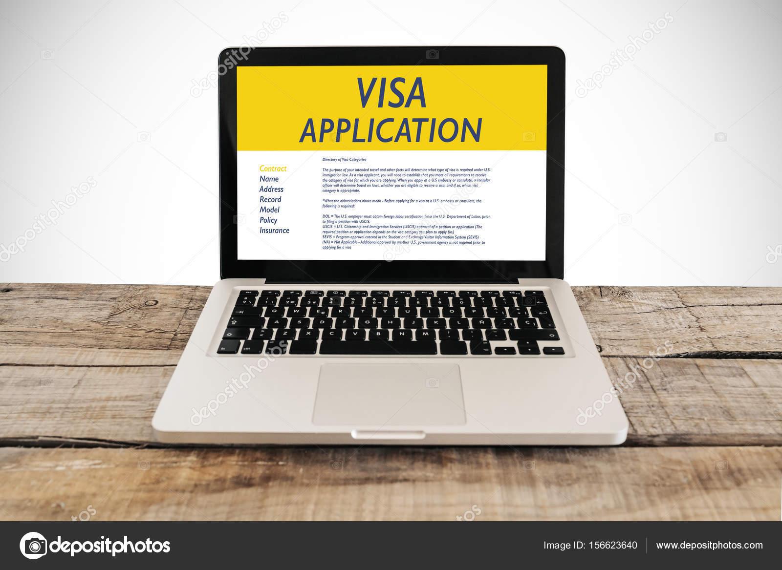 Formulaire de demande de visa dans un ordinateur portable sur un