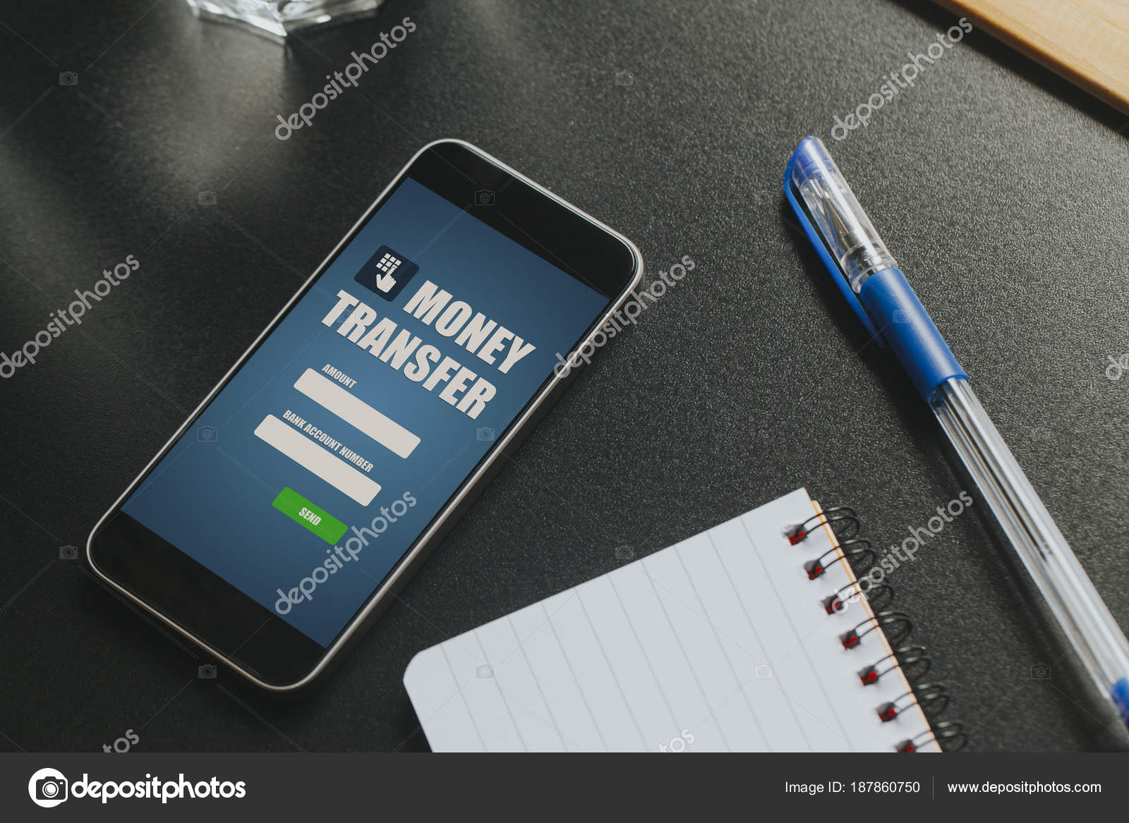 Ufficio Del Lavoro In Nero : Applicazione di trasferimento di denaro in un cellulare schermo