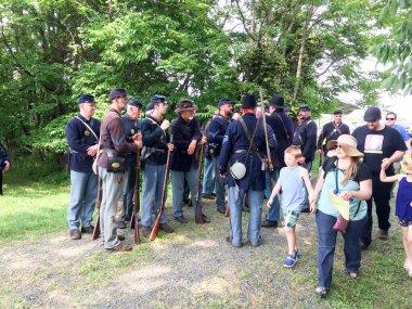 american civil war reenactment soldiers fight