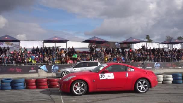 Dvě auta od startu závodu