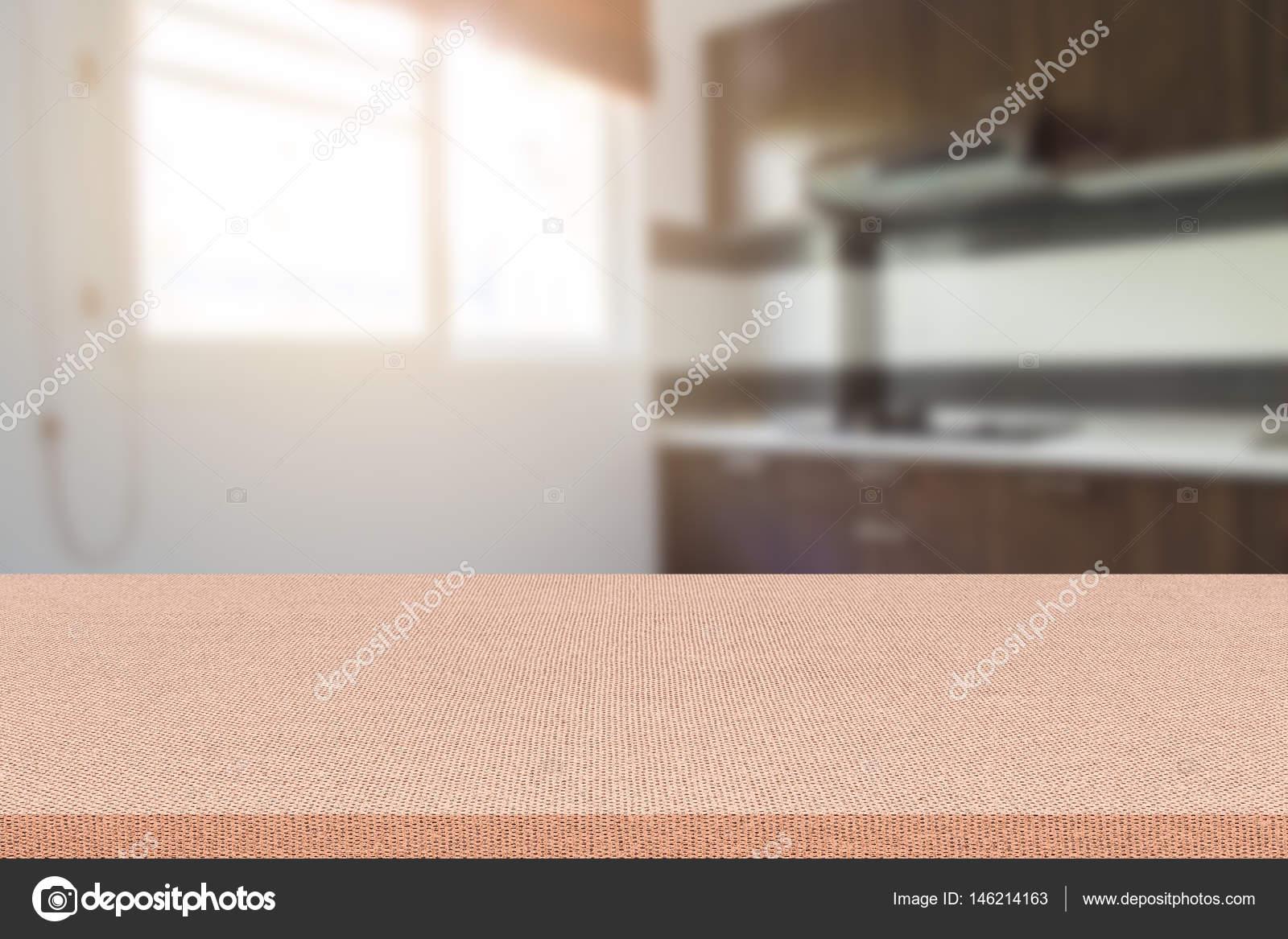 Leere Tabelle und unscharfen Küche Hintergrund, Montage ...