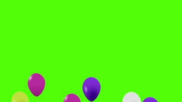 Barevné balónky létající vzduchem. Létající balónky. Mnohobarevné balónky. Ve vzduchu se zvedají balónky. Heliový balón s lanem. Chromatický klíč. Zelená obrazovka. Ultra Hd - 4k