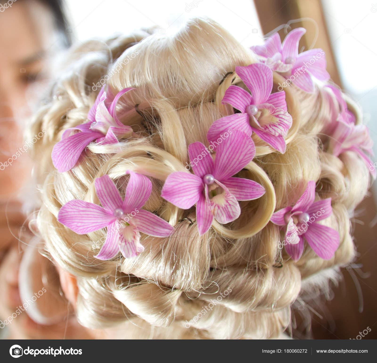 Hair Stylist Florist Makes Bride Wedding Hairstyle Fresh Flowers ...