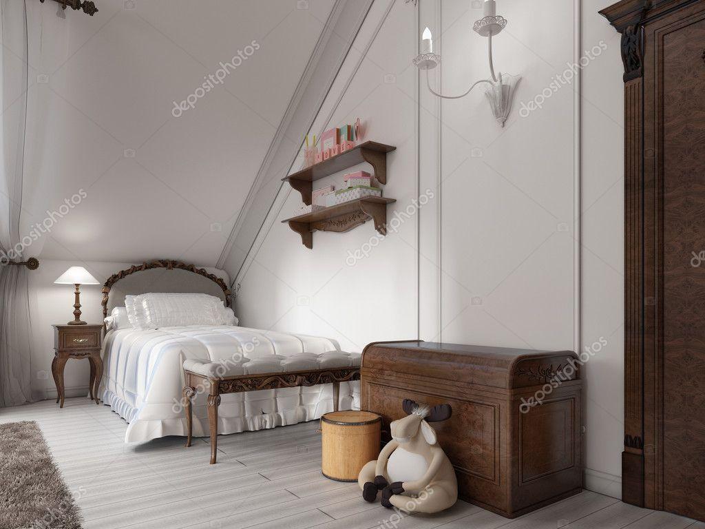 Lamp Slaapkamer Nachtkastje : Klassieke bed in de slaapkamer van een kind met nachtkastje lamp