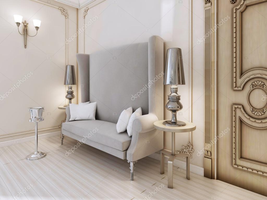 Un Canap Design Classique Avec Un Dossier Haut Dans La Chambre