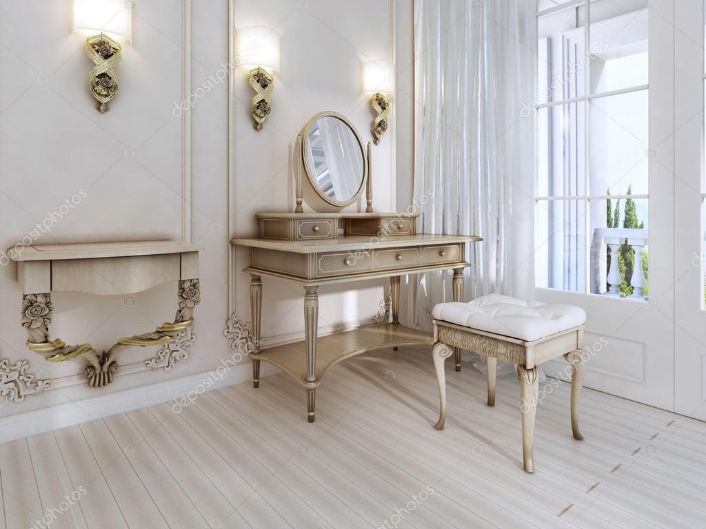 Interieur Kaptafel Styling : Klassieke kaptafel met ovale spiegel bij het raam in het bed
