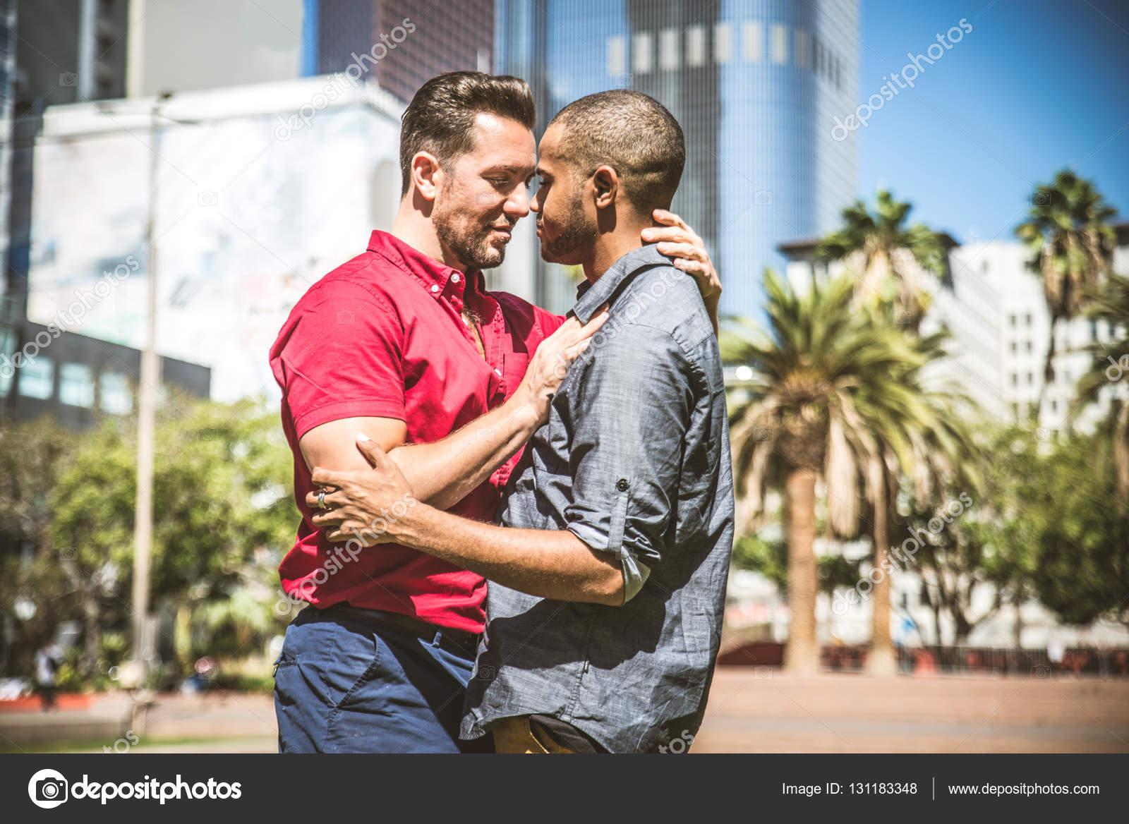 Pareja de homosexuales en cita rom ntica fotos de stock - Cita romantica en casa ...