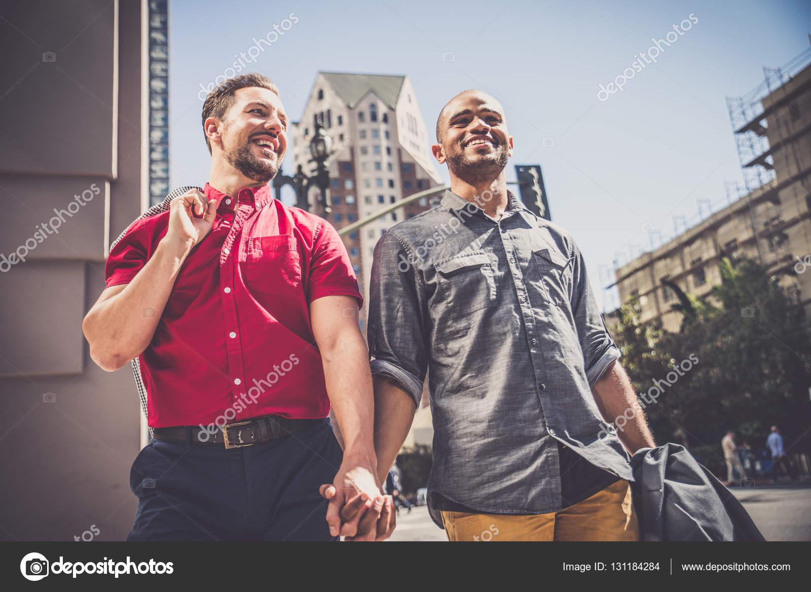gay seznamky 2016 Alcide a sookie připojit