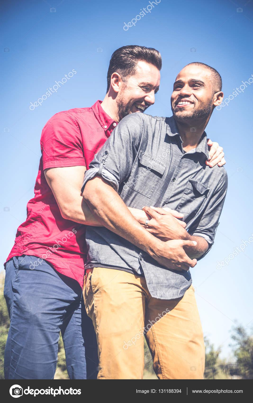 Datazione di un gay gemelli
