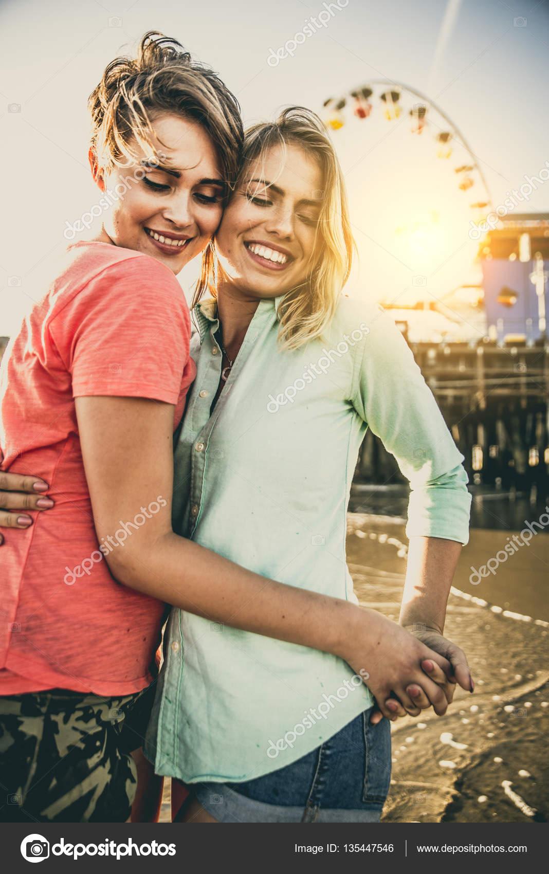 Лесбийская любовь знакомства бесплатные знакомства для секса по германии