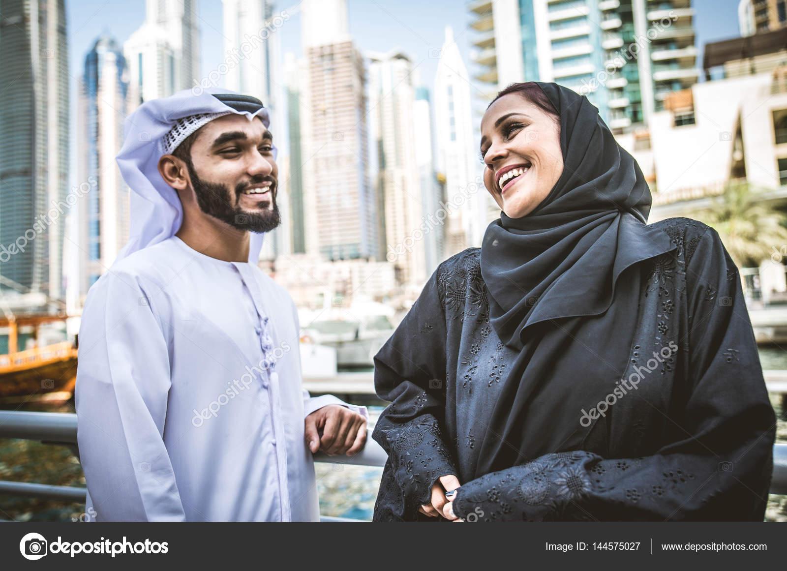 seznamky spojené arabské emirátymoje přítelkyně chodí s dalšími lidmi