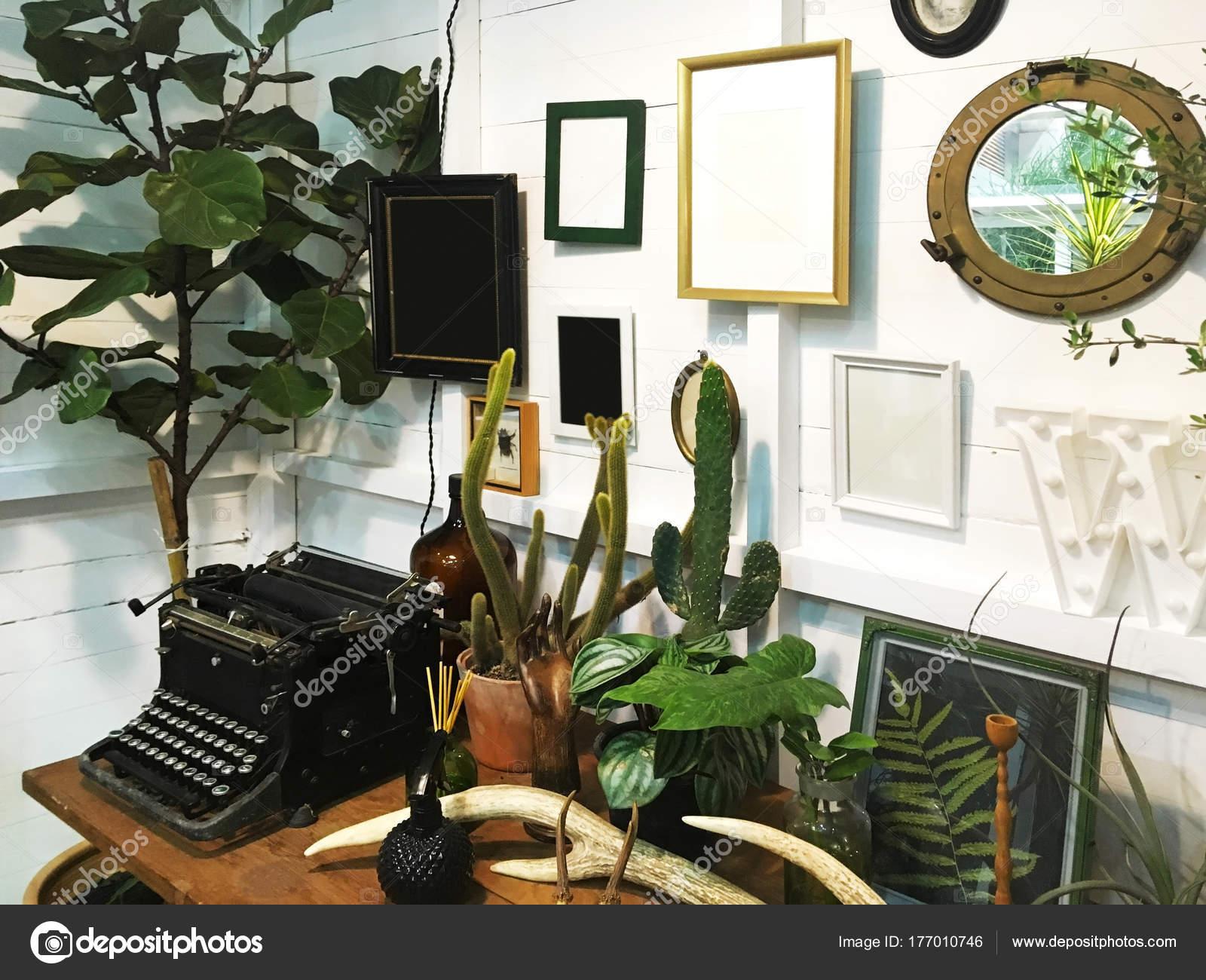 Weißer Raum Dekoration Interieur Vintage-Stil — Stockfoto © P ...