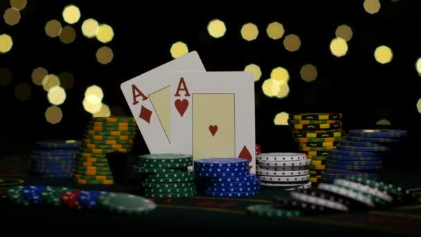 Kombinace dobré karty, dvě esa, šanci vyhrát. Detailní záběr