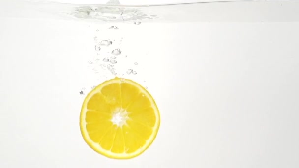Lédús citrom és a víz csobbanás, slowmotion