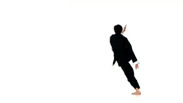 wushu, kungfu férfi sportruházat teljesítő egy rúg-ban