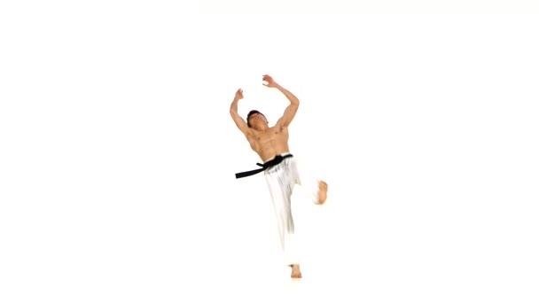 karate vagy taekwondo edzés, végez komplex gyakorlat