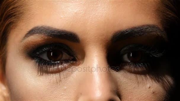 Как карие глаза сделать красивыми 52