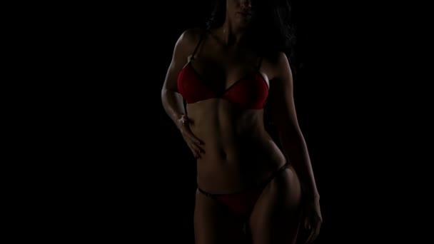 Piros szexi fehérnemű, egy forró lány a hosszú haj