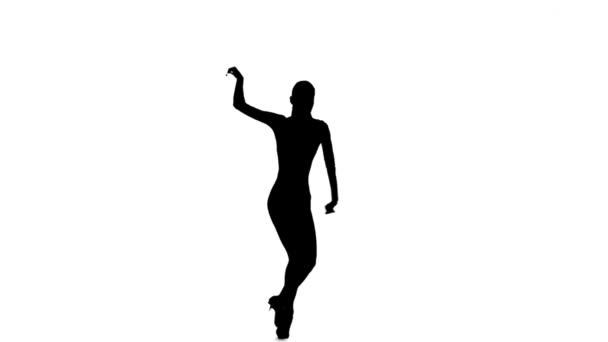 Donna esile ballerina danza latino, rallentatore. Sfondo bianco, sagoma