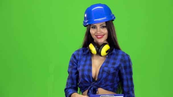 Saxy woman video