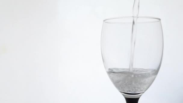 nalévání vody Minerální sklo