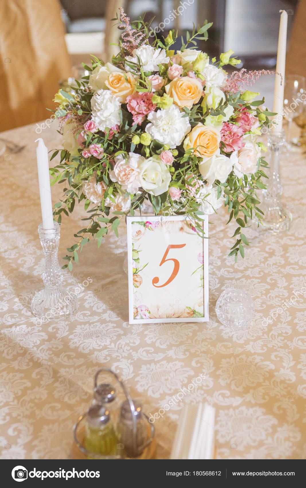 Hochzeit Tischdekoration Rose Und Eustoma Blumen Kerzen Ein