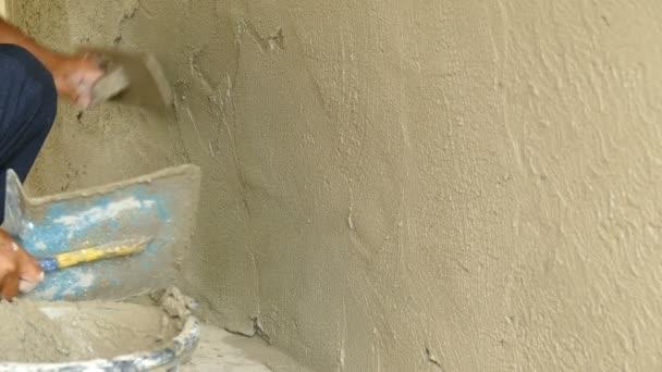 Menschenhand Verputzen Einer Wand Mit Kelle — Stockvideo ...
