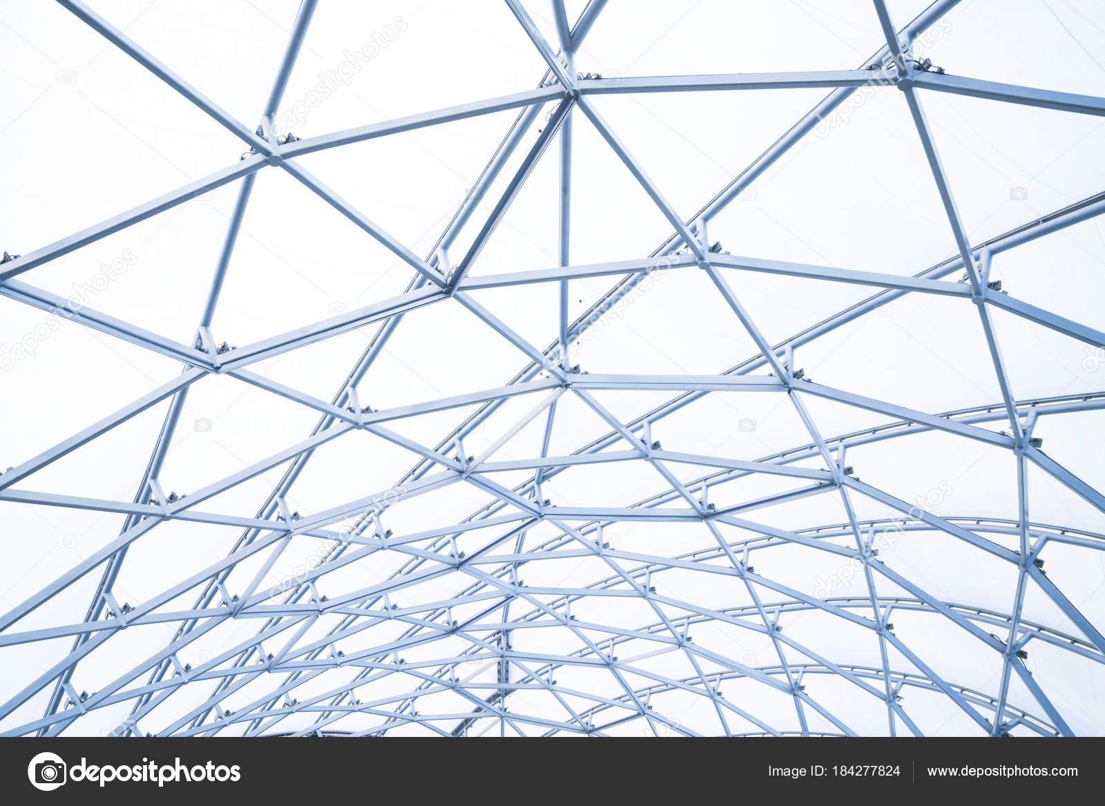 Hochbau von Metall Stahl Rahmen im freien — Stockfoto © Tatomm ...