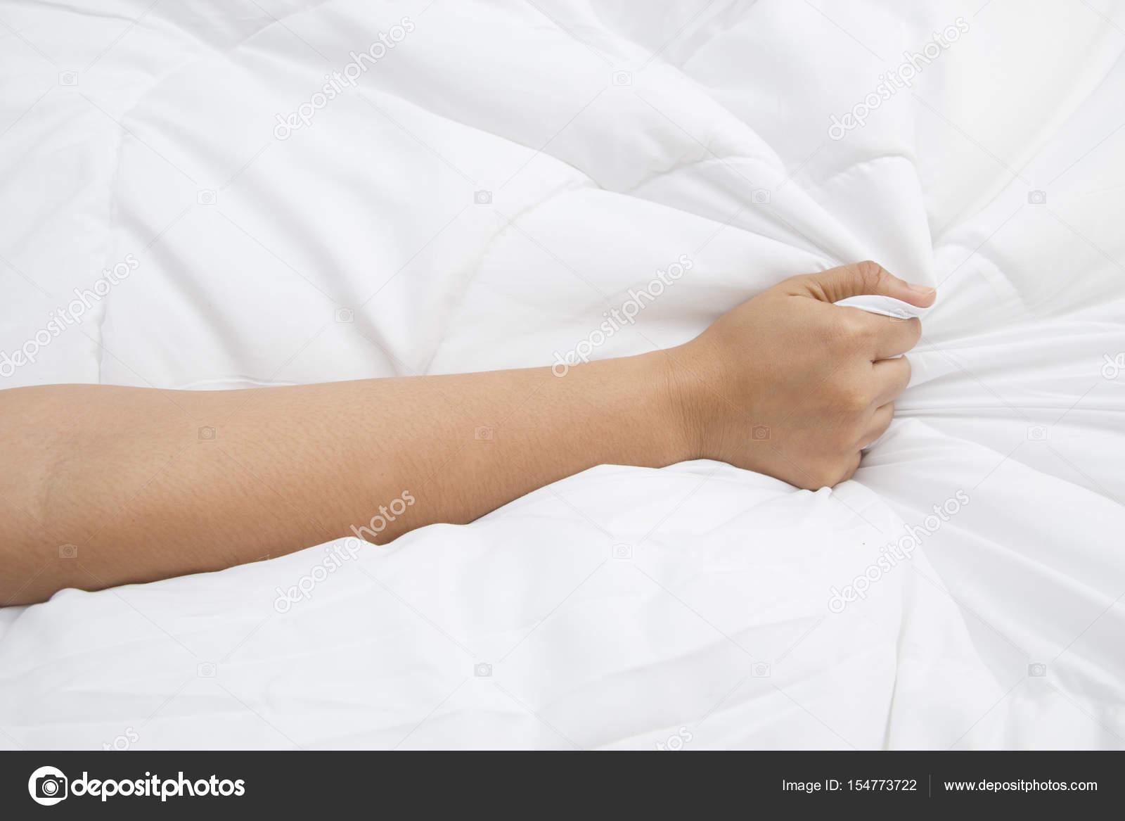 Оргазм у женщин во время сна