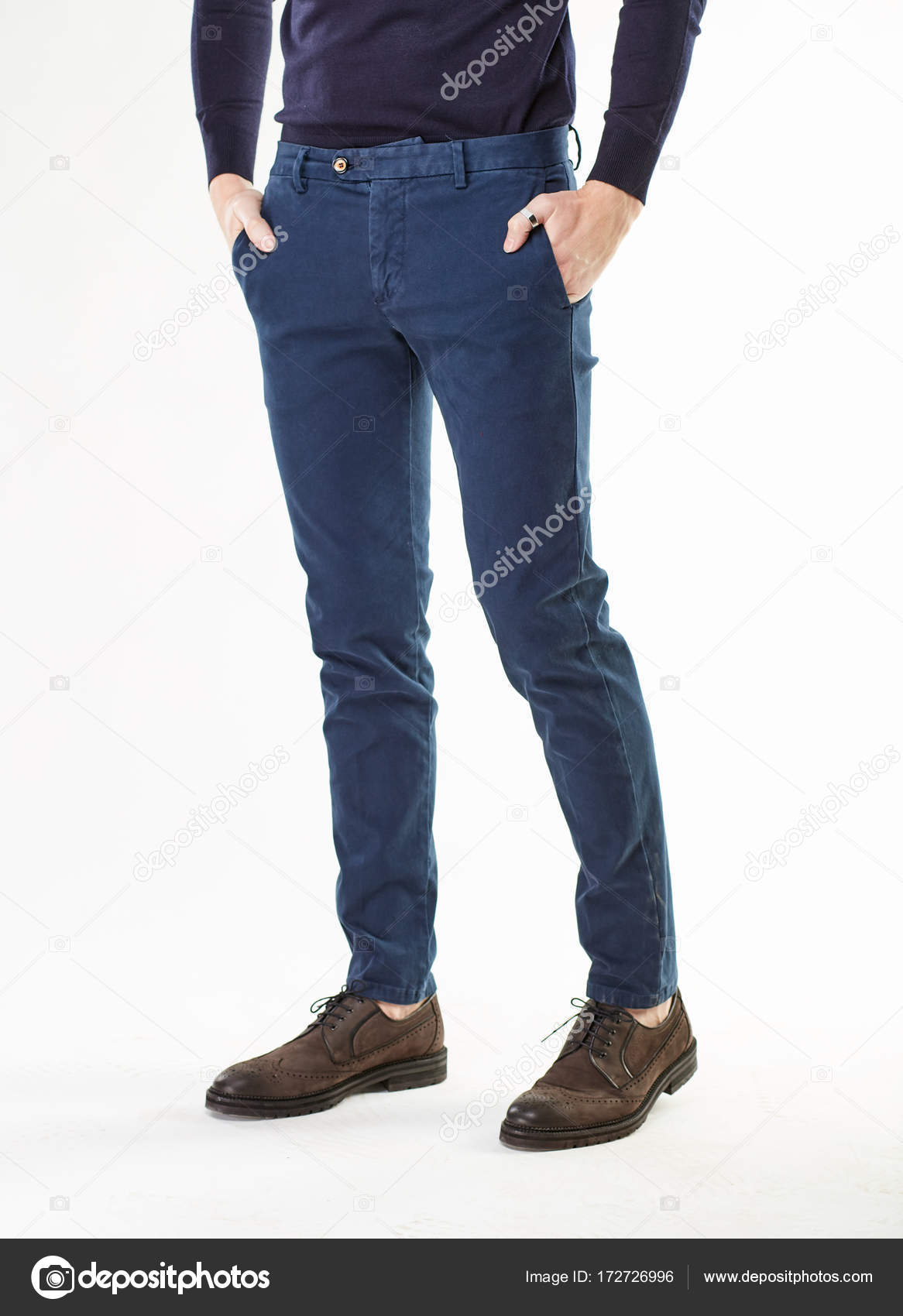 Oscuro Y Zapatos El Pantalón Hombre Posando Modelo En Clásico 0wP8nOkX