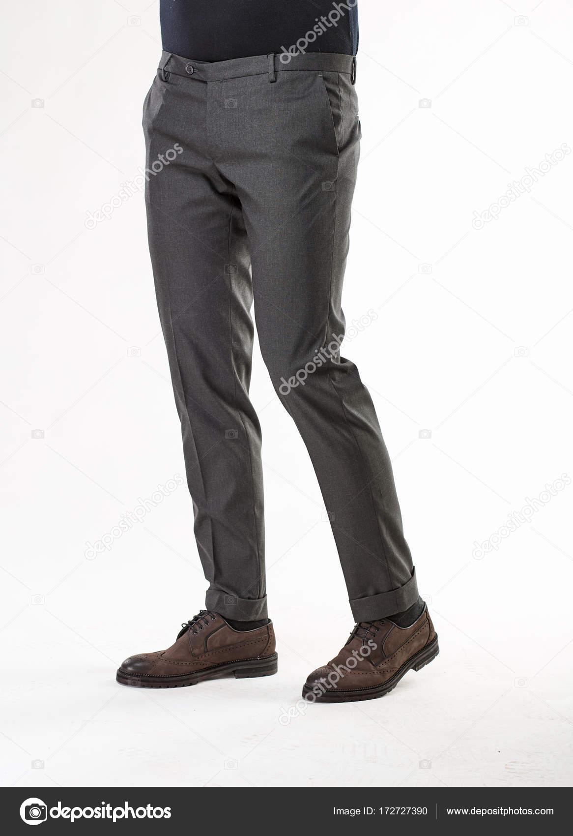 Di Posa Scarpe Studio Marroni Pantaloni Modello In Stock Classici Immagine Uomo Che Grigi LuceᄄC E 7Y6gbyImvf