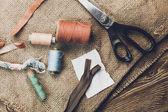 Fotografia sfondo vintage con strumenti per cucire