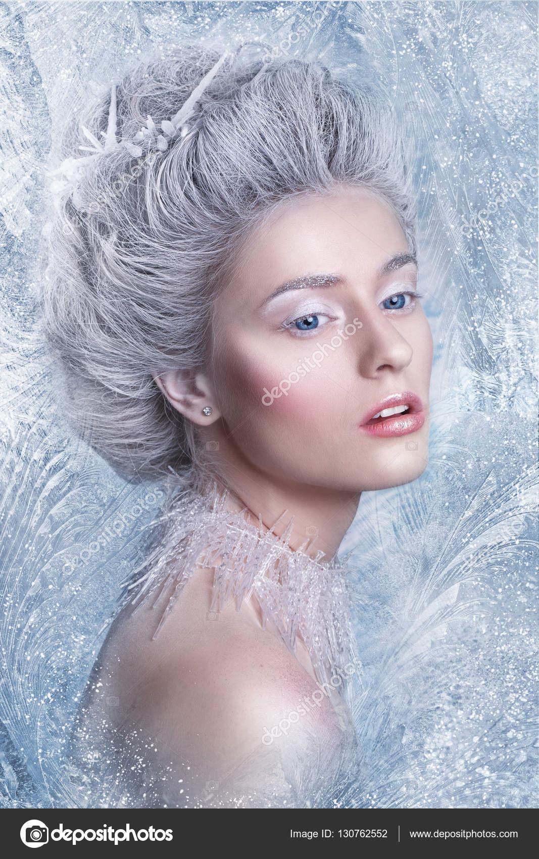Portret Queenfantasy śniegu Winter Fairy Portret Młoda Kobieta Z